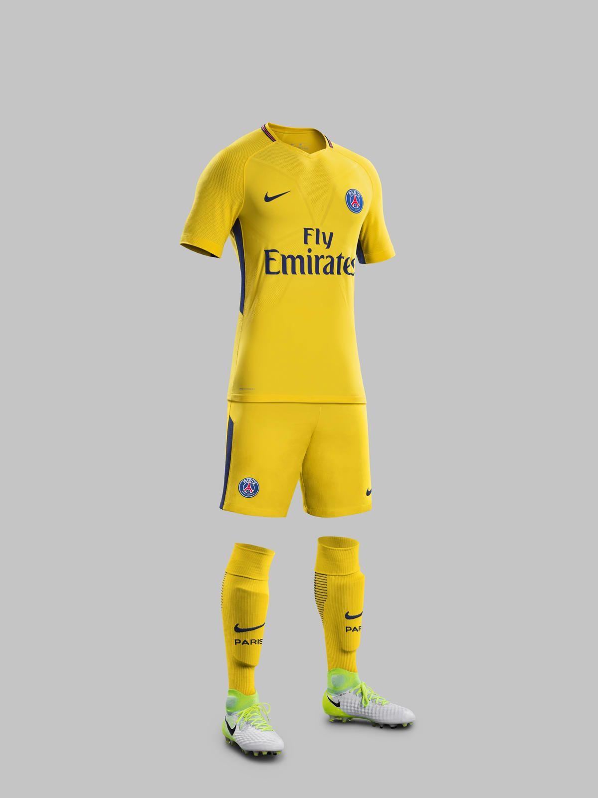 buy popular 5f0ec 38405 Paris Saint Germain Away Kit 2017-2018 | Football kits ...