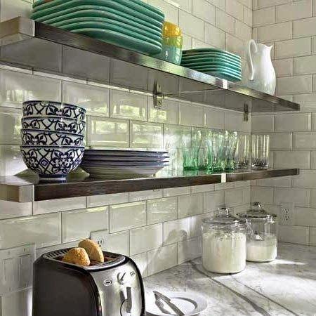 15 dise os de cocinas con estantes abiertos ideas cocina for Estantes para cocina pequena