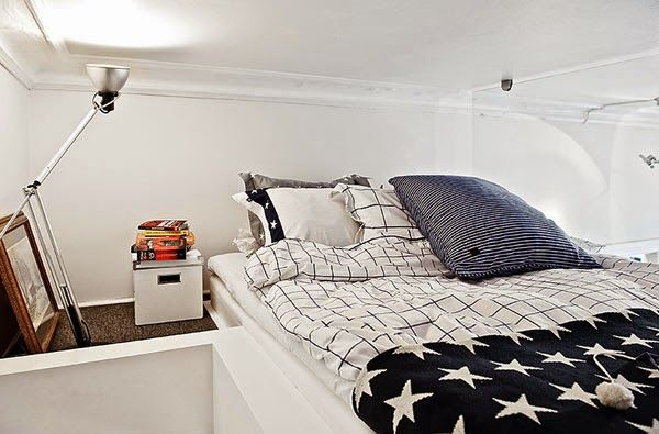 Michelle - Blo #Home #Tour - A #Small #Apartment #Swedish Fonte : http://www.homedit.com/a-small-apartment-with-a-smart-interior-design-that-fulfills-all-your-needs/