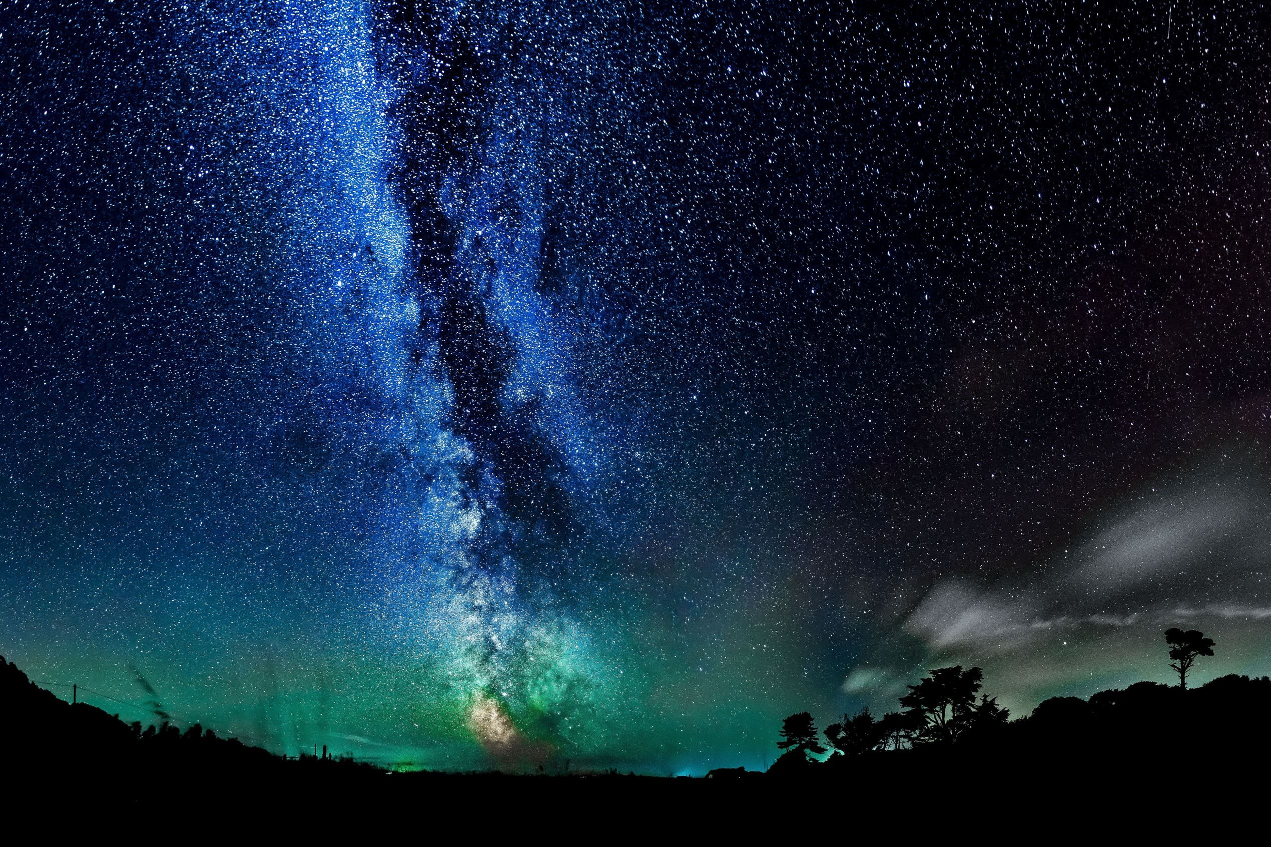 ISLE OF WIGHT, ENGLAND Star galaxies light up the clear night sky