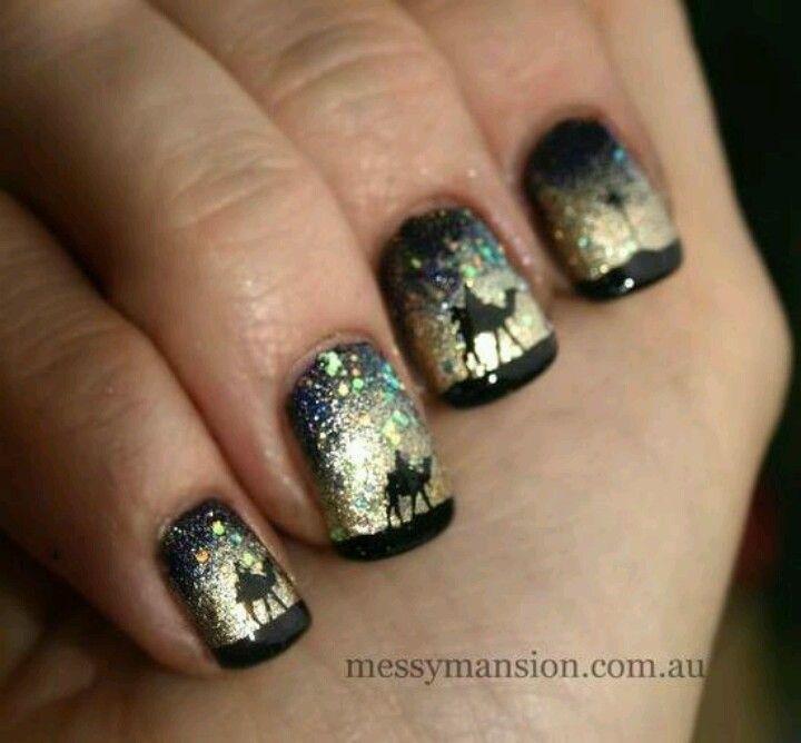 Ahahaha wicked nail art!!