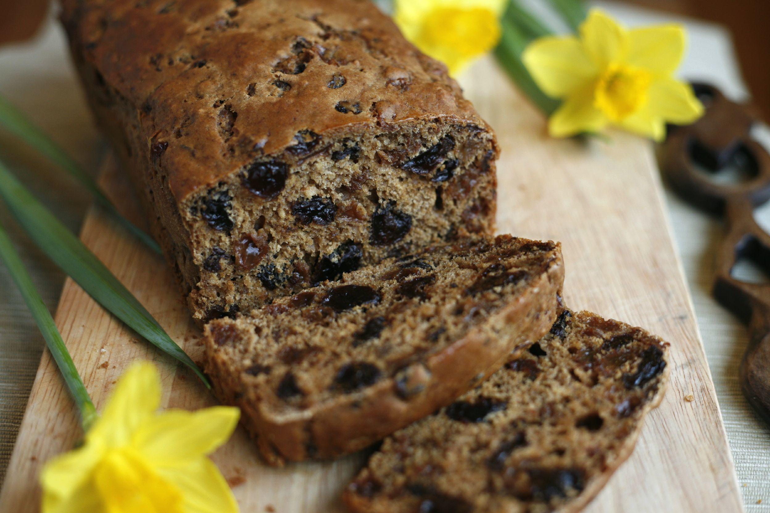 Loaf Cake Recipes Nz: Welsh Fruit Loaf - Bara Brith