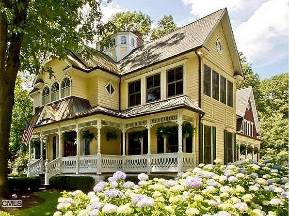 Victorian Home  With The Sewing Room On The 2nd Floor On The Right!  ArchitekturWohnenViktorianische HäuserViktorianisches Haus ...