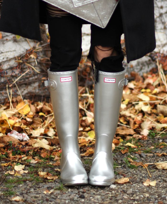 Silver Hunter Rain Boots Outfit Fall | Rain boot, Rain and Rain ...