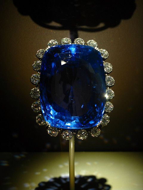 Logan Sapphire, the second largest (blue) sapphire known, weighing 422.99 carats (84.6 g). On display at the Natural History Museum in Washington DC.