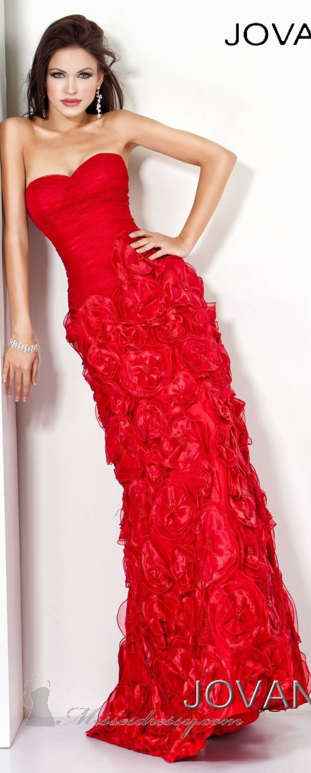 Jovani couture ~ beautiful red... | Fashion ~ If I Was A Supermodel ...