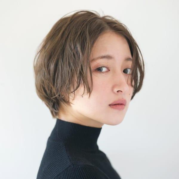 エラ張りさんに似合うショートヘア特集 小顔効果バツグンの髪型をご紹介 可愛いヘア 美髪 ヘアカット ショート
