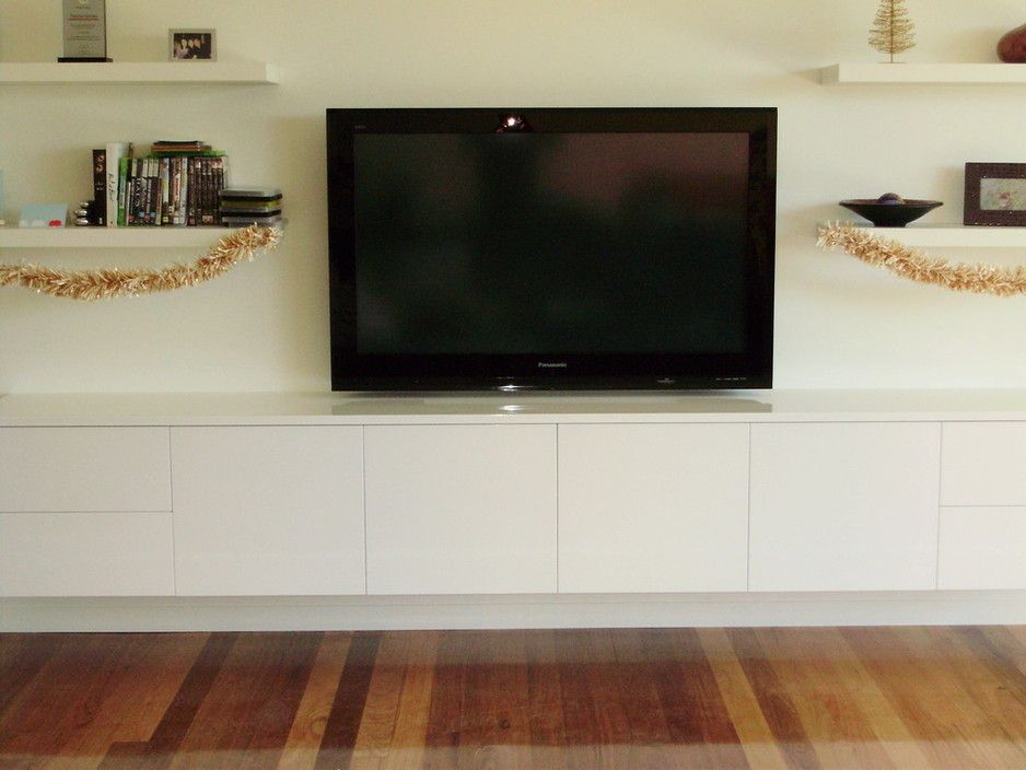 Gloss white entertainment unit - SA Tailored Kitchens & Joinery ...