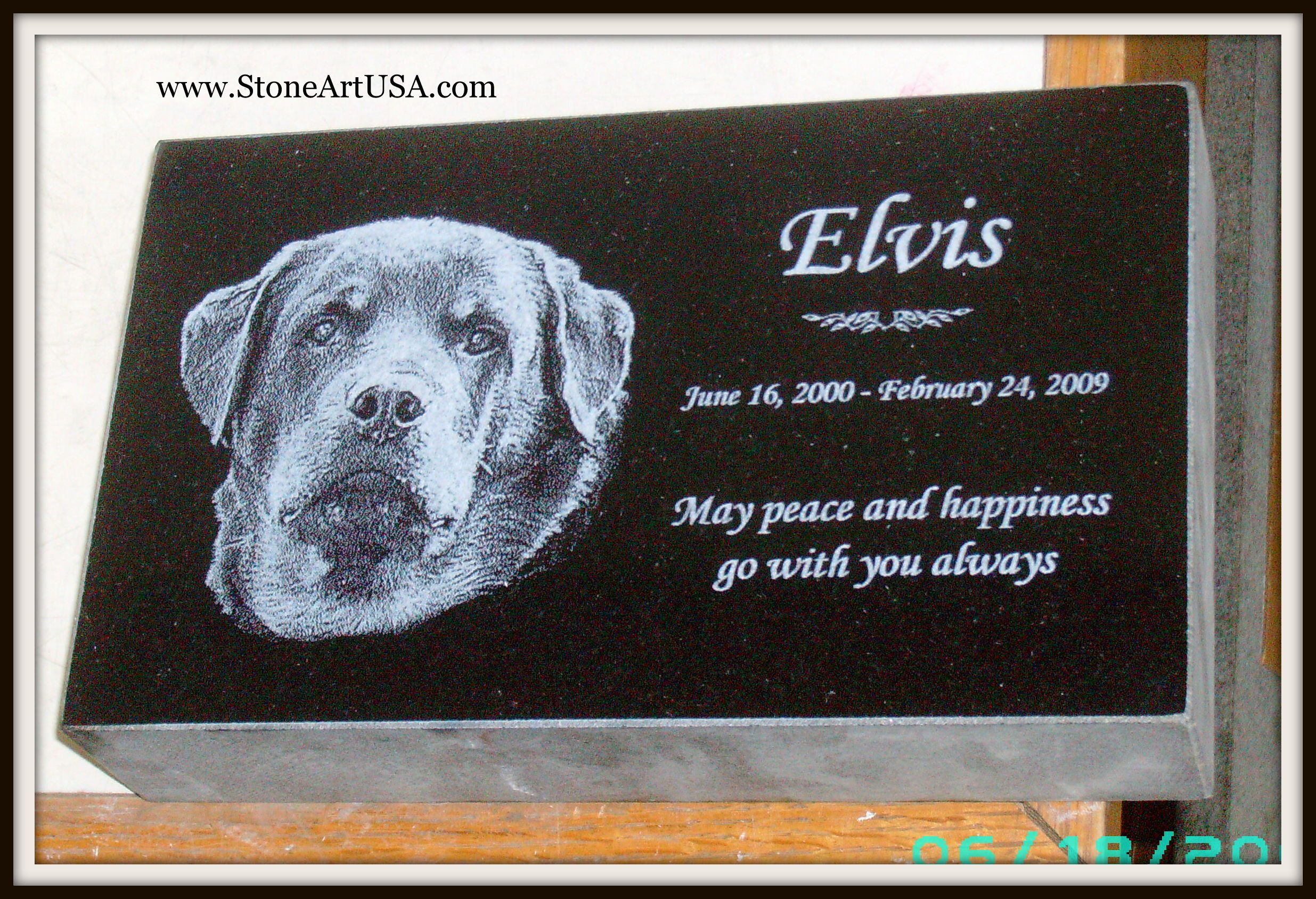 R I P Elvis New Ideas For Pet Grave Stones Custom Made Memorial Stones Cremation Urns Custom Pet Memorials Pet Memorial Stones Granite Pet Memorials
