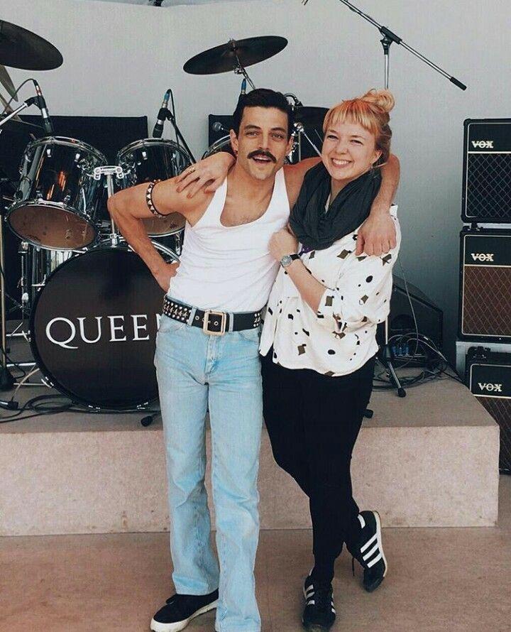 Rami Malek é Freddie Mercury