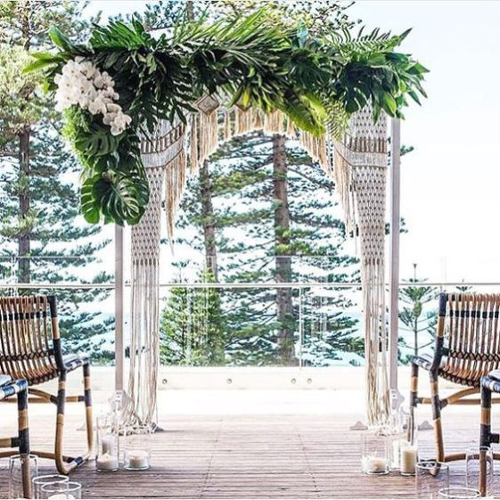 Hawaiian Wedding Altar: Macrame, Pal Leaves And White Orchids For A Tropical Boho