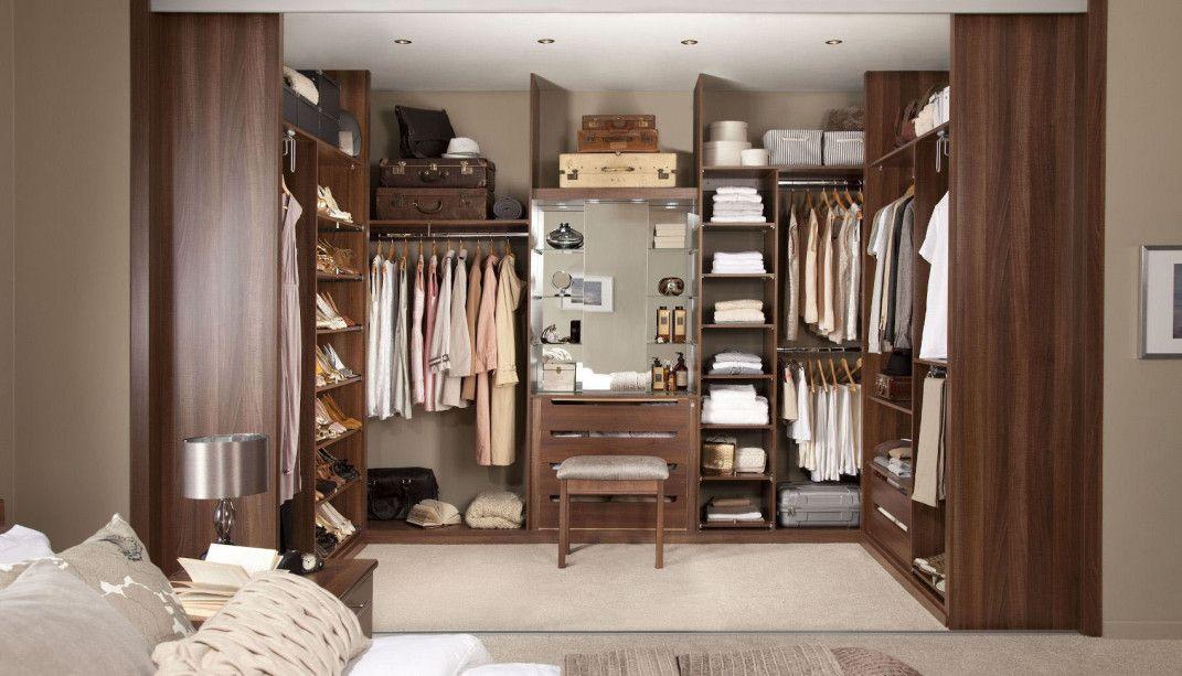 Walk In Closet For Men   Masculine Closet Design (22)