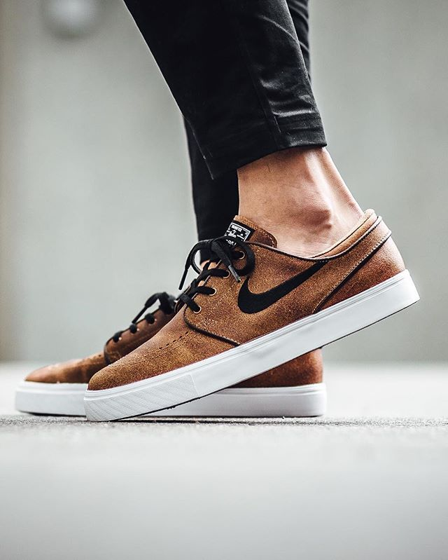 18bb5f48b23 Nike SB Zoom Stefan Janoski Elite  Ale Brown Black-White-Dk Field ...