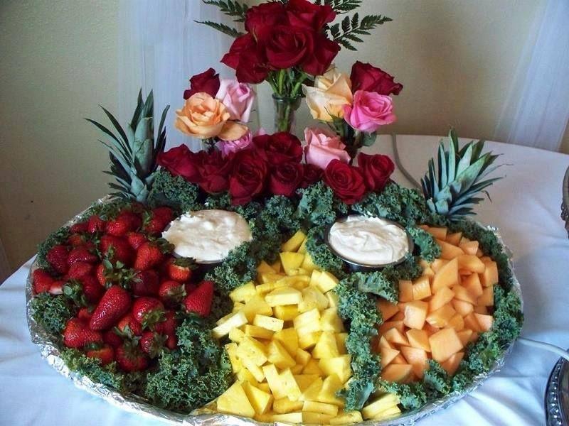 Fresas, piña y melón.