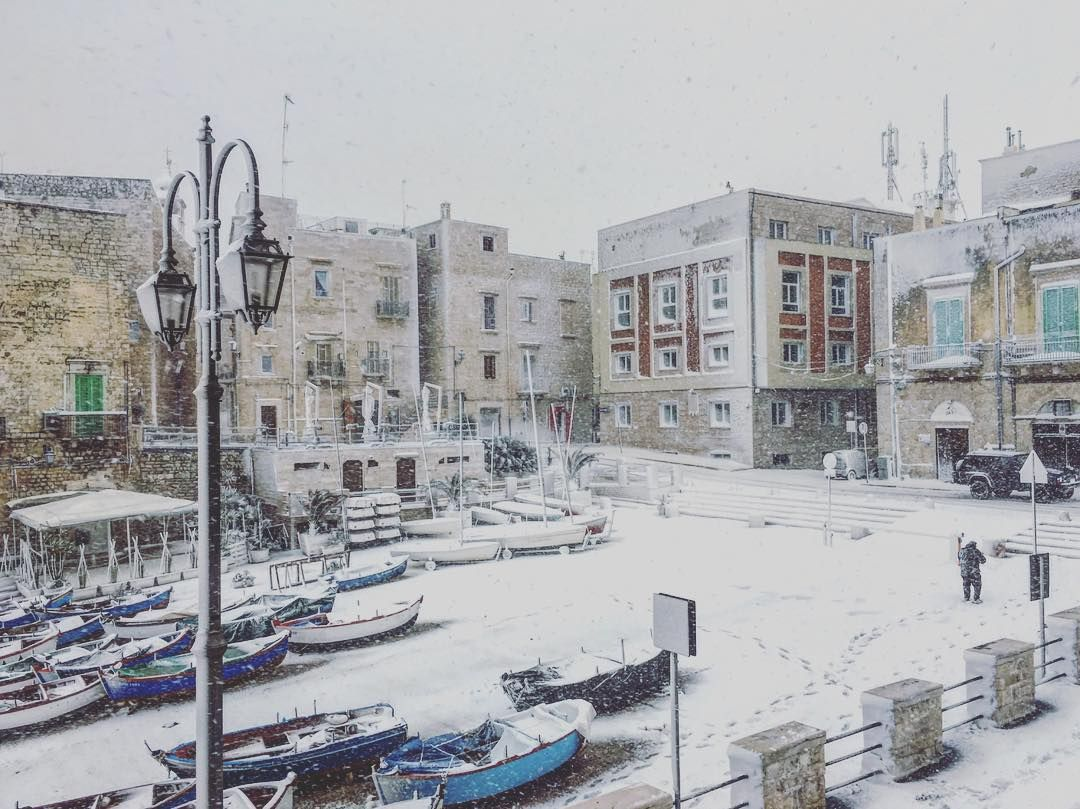 #magia#fiocchi#spettacolo#candore#bellezza#neve#giovinazzo#gennaio2017#porto#barche#cala#mare