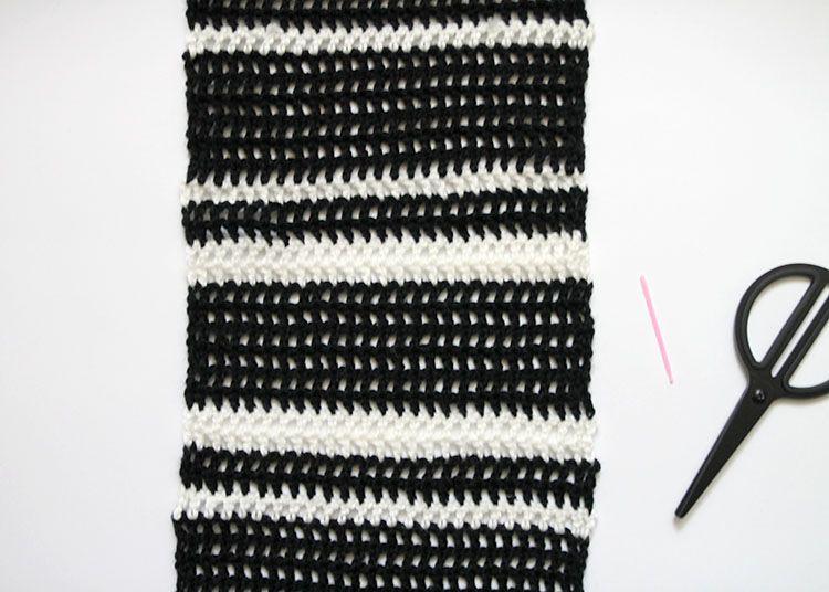 Easy Crochet Scarf Windowpane Plaid Pattern Darice Easy Crochet