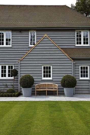 16 Wicked Transitional Exterior Designs Of Homes You Ll Love: Shingle Detail, Charcoal Clapboard
