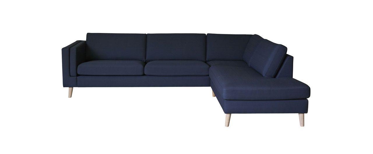 Nordic er en av våre bestselgere! Sofaen er i skandinavisk stil og er en tidløs modulsofa med høy kvalitet og sittekomfort. Sofaen leveres i mange uli
