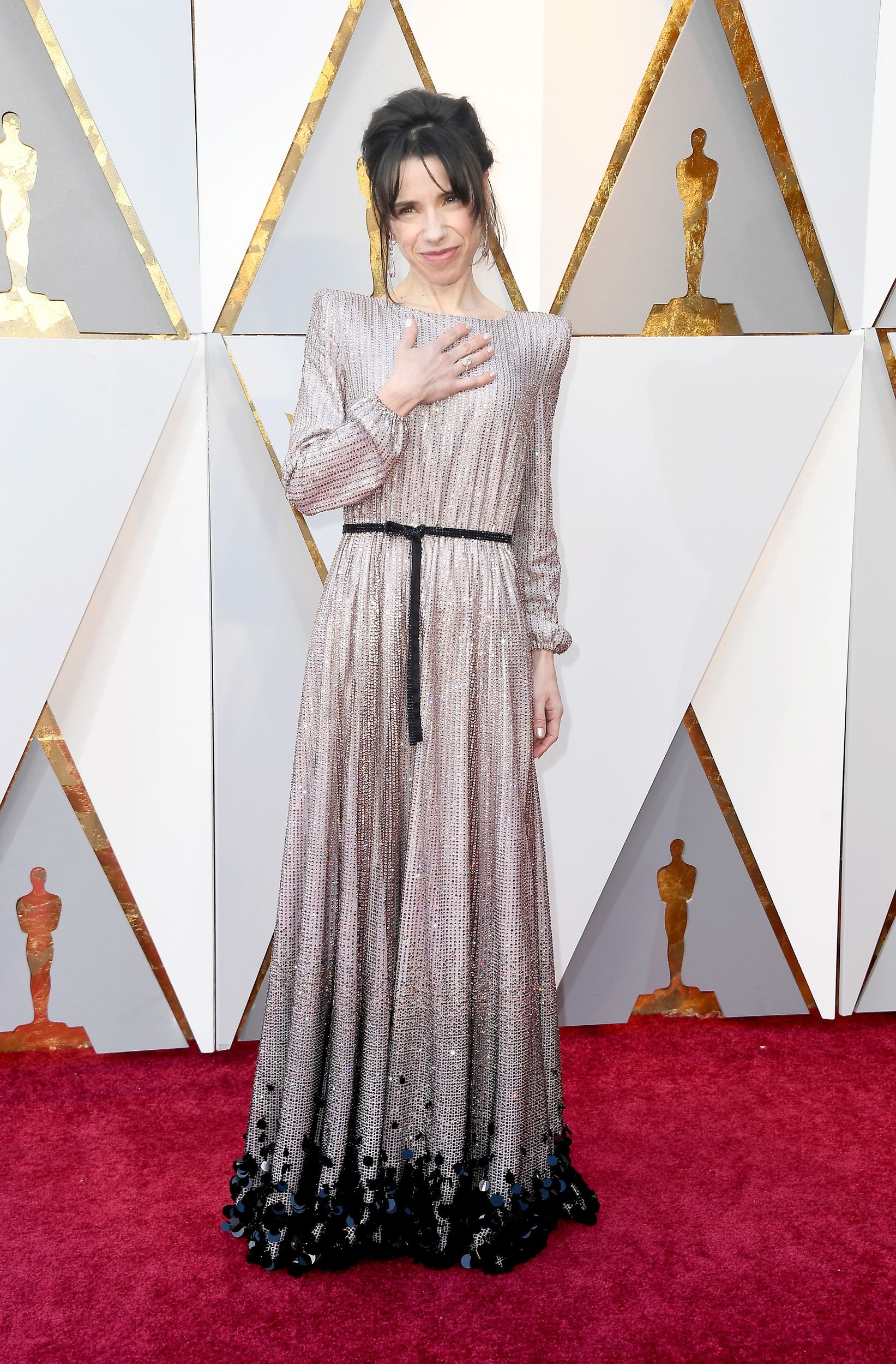Elisabeth moss wedding dress  Elisabeth Moss in Dior Haute Couture at Oscars   Dressed To