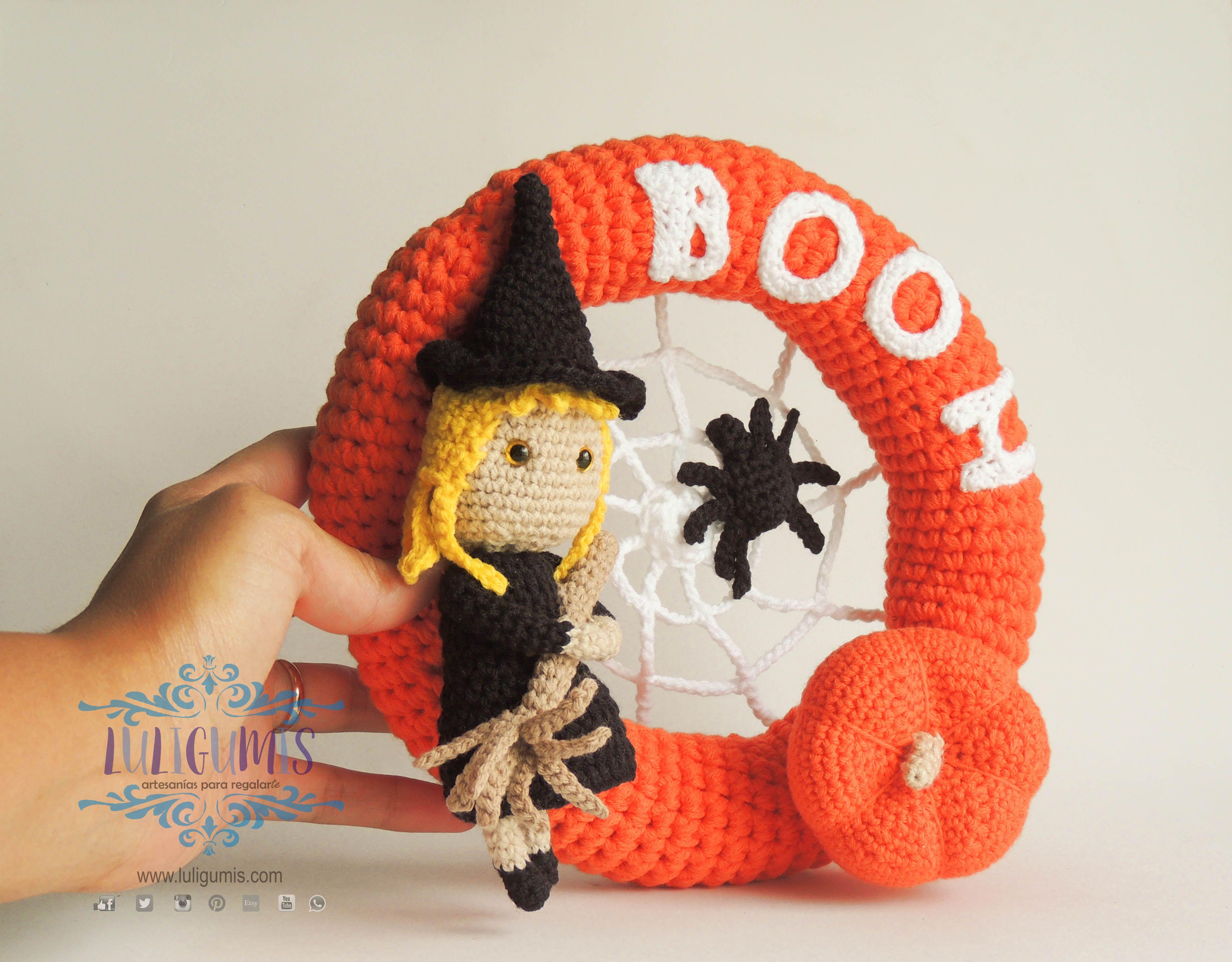 Halloween wreath, halloween decor, witch, spider, spider w ...