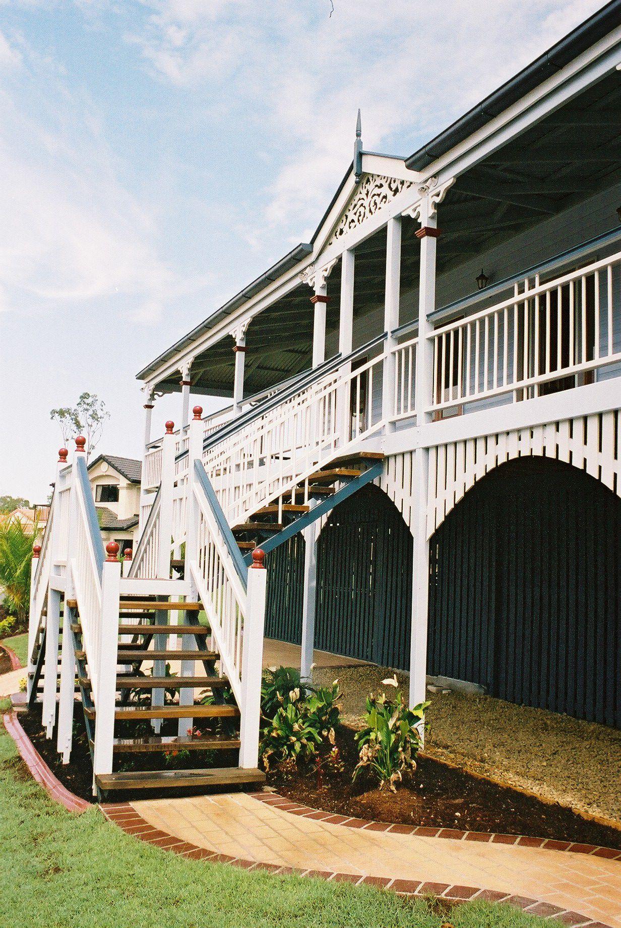 Classic queenslander old queenslander homes pinterest for Classic queenslander house