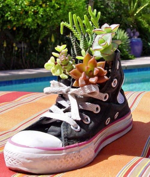 35 Ideas To Use Old Shoes As Planters Old Shoes Container