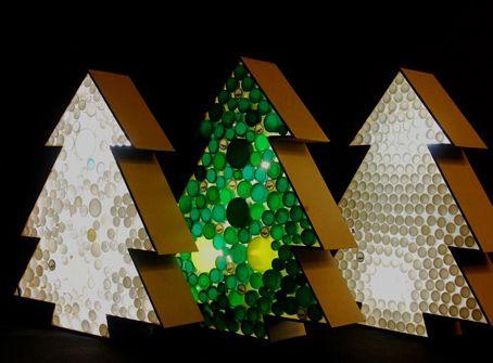 rboles de navidad realizados con tapones plstico reciclados