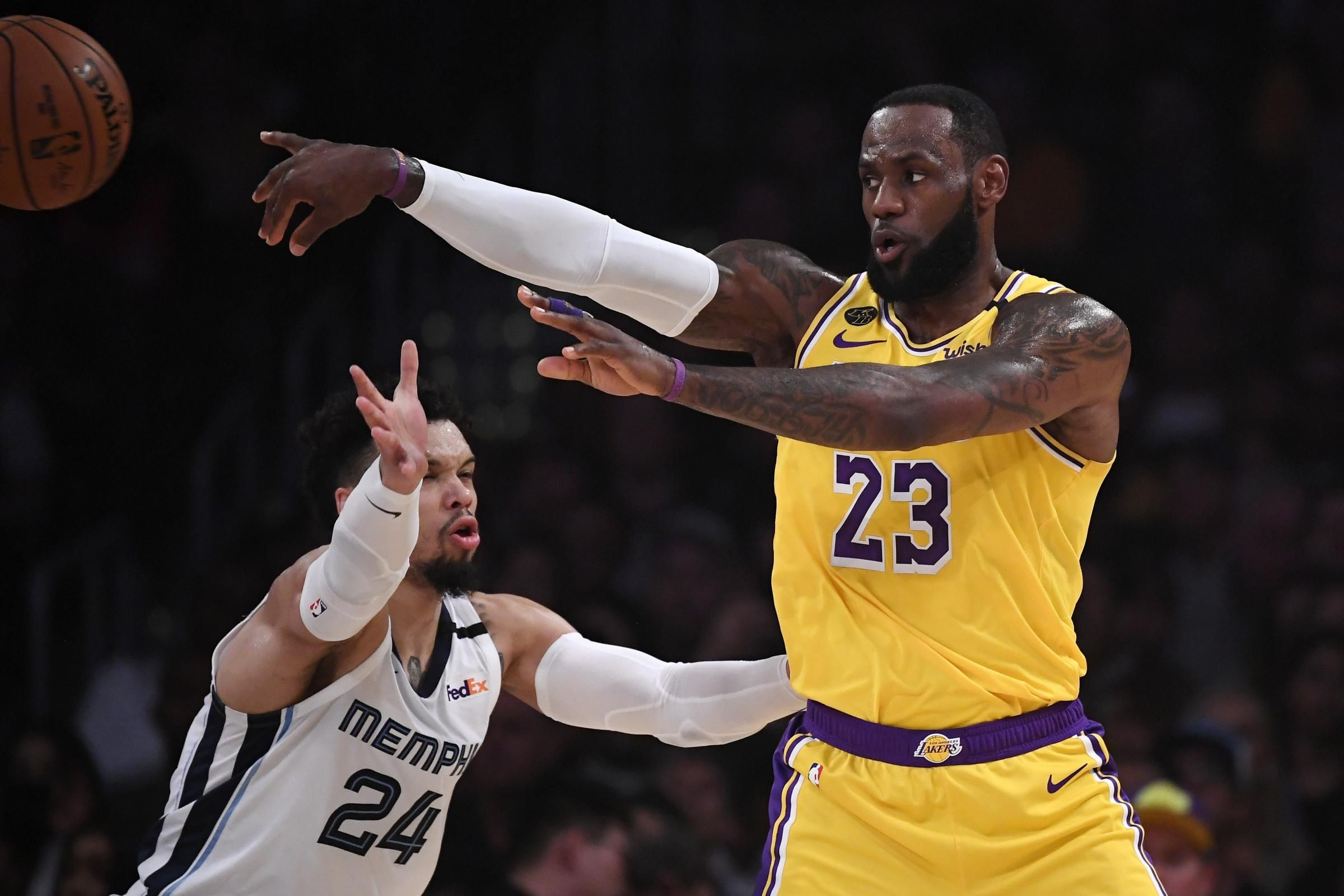 Lebron James Leads Lakers To Victory Over Grizzlies National Basketball Association News February 1 2020 10 50 Am February 1 In 2020 Anthony Davis Nba News Lakers