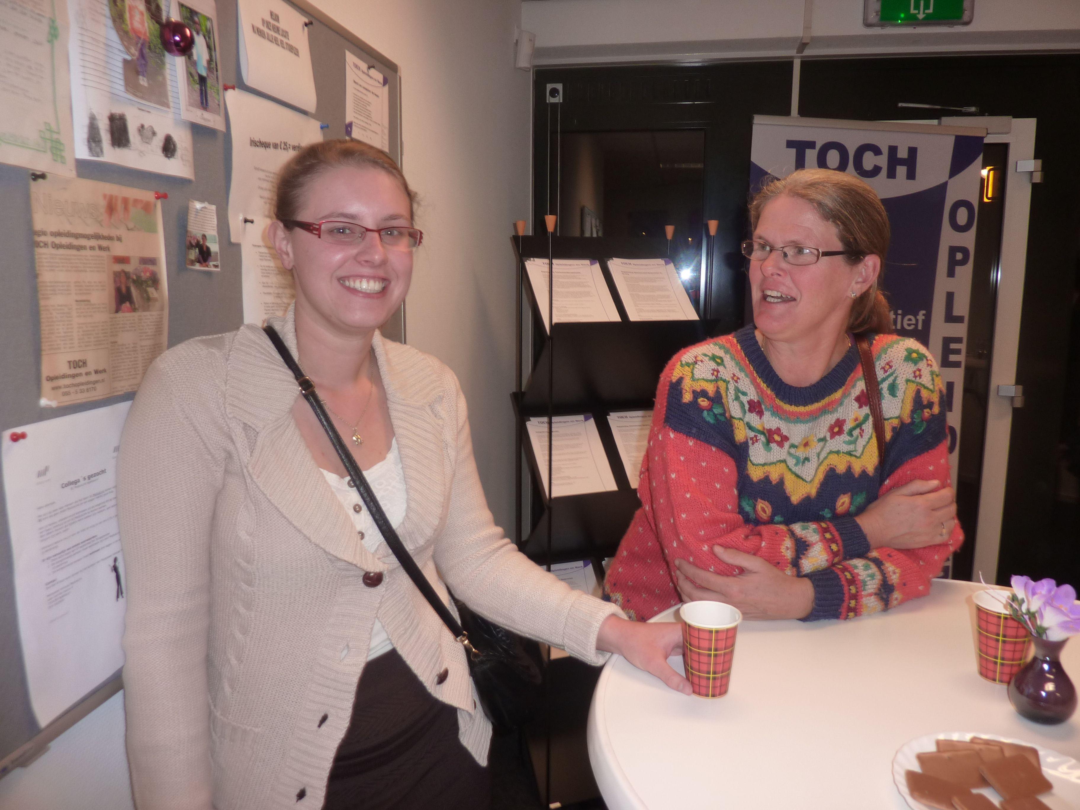 Verzorgende IG niveau 3 Jolande en haar collega bij Icare werken met veel plezier binnen een zelfsturend team in de thuiszorg.