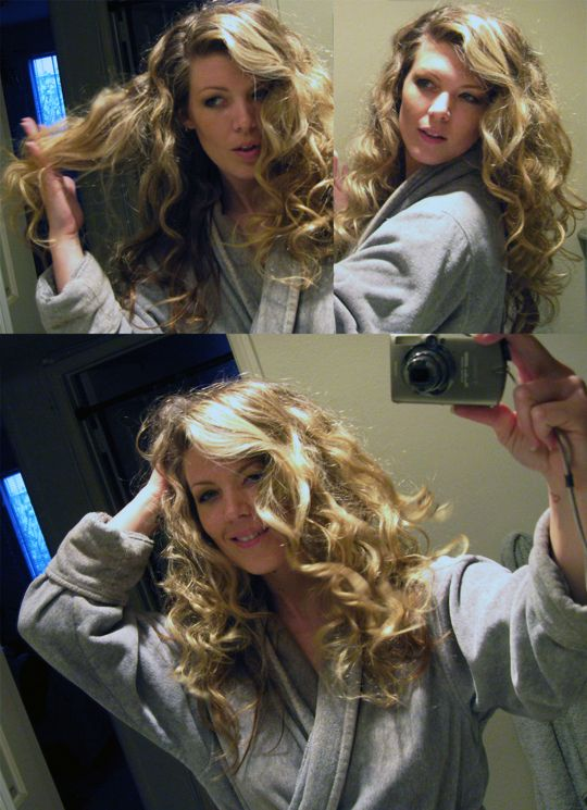 How To: Big Curls by sleeping with tiny buns in your hair