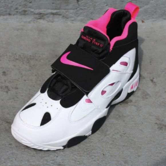 Make An Offer ! Nike Air Diamond Turf Pink   White  3e32e22994