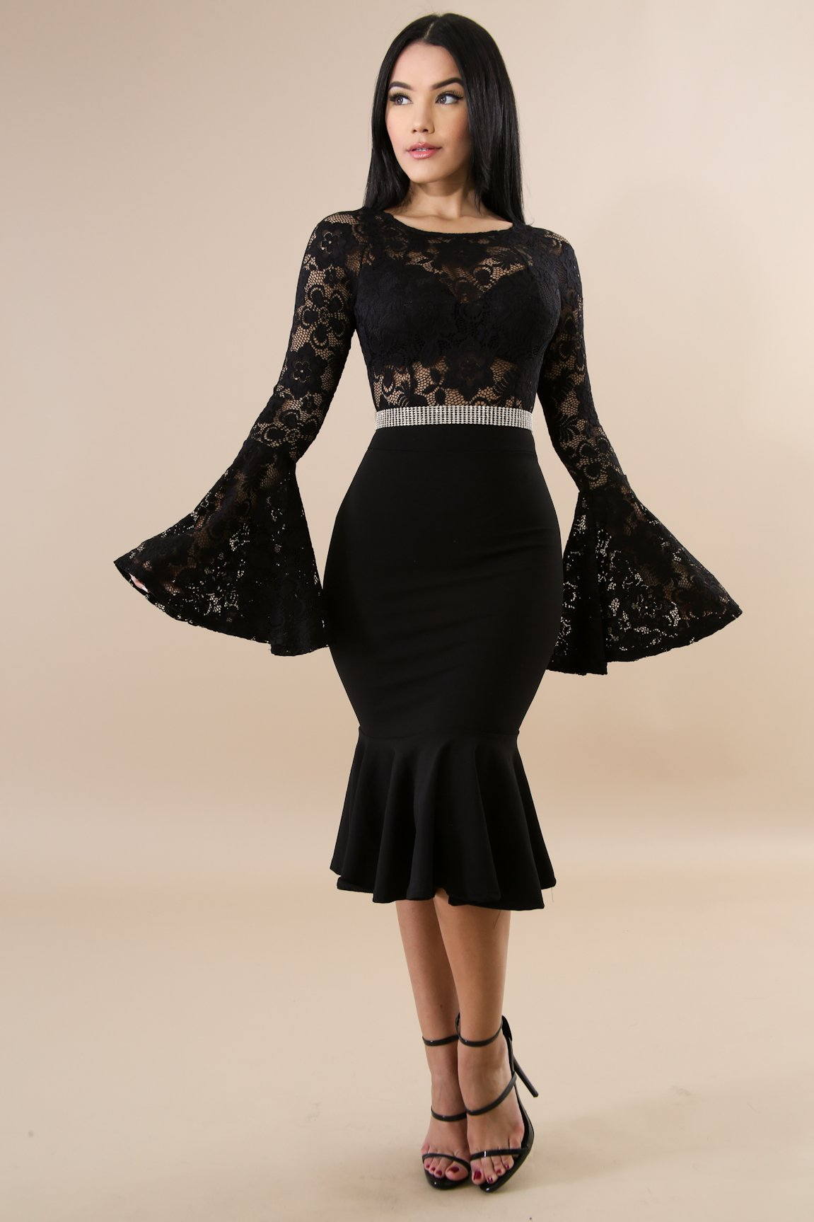 Lace bell mermaid body-con dress features 252a3b5e4e0a