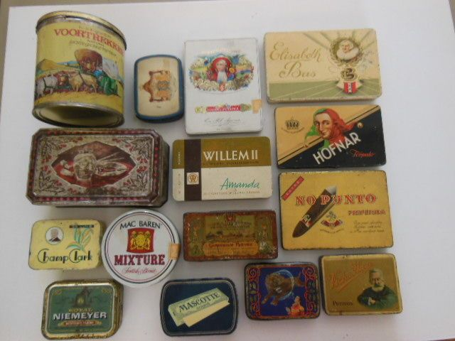 Sigaren en Sigaretten doosjes 30 stuks - midden 20e eeuw