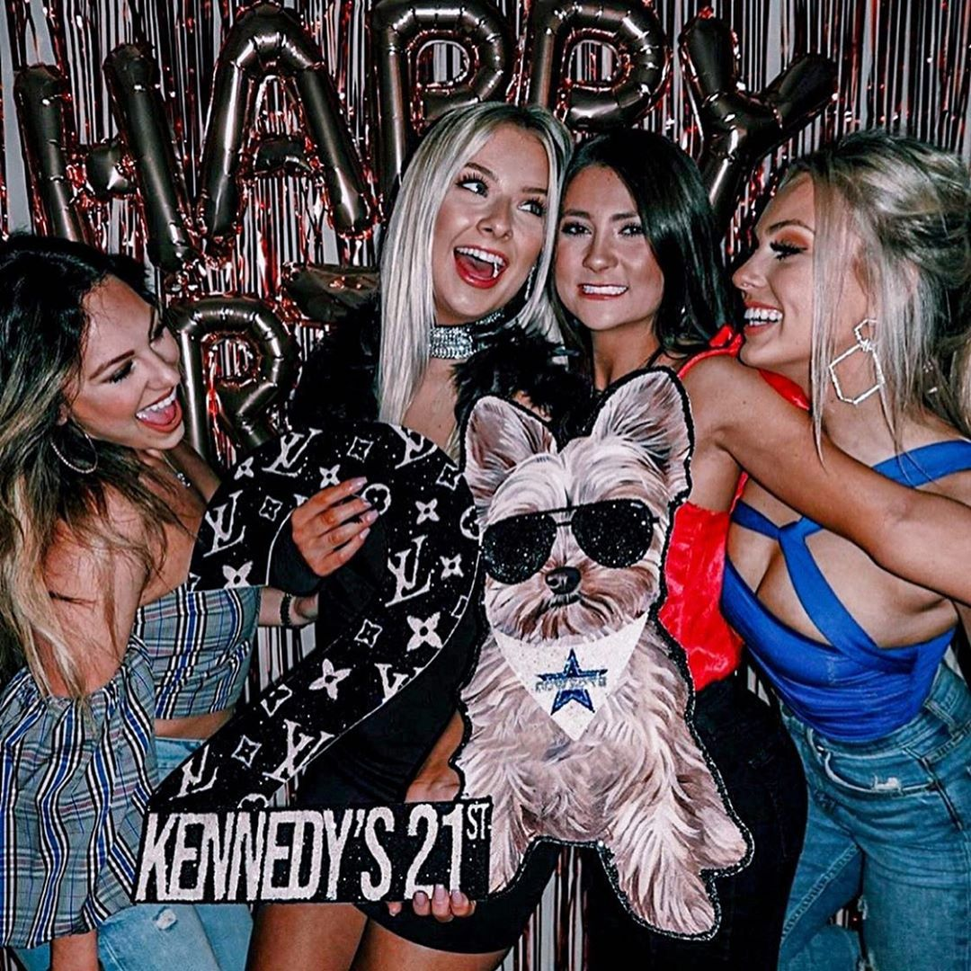 "21st Birthday Signs & Designs on Instagram: ""���⋆   #21stbirthdaysign #21stbirthdaysigns #21stbirthday #21stbirthdays #birthdaysign #partysign #theuniversityofalabama #louisvuitton…"""
