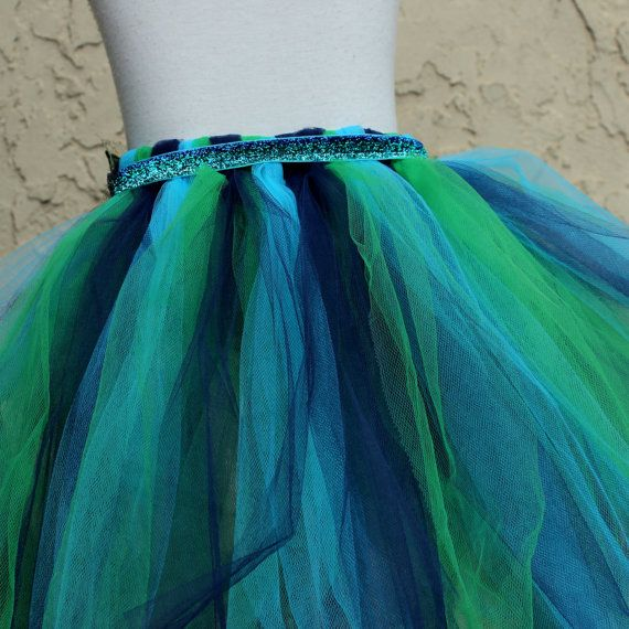 peacock flower girl peacock tutu skirt pfau rock von bloomsnbugs costumes pinterest pfau. Black Bedroom Furniture Sets. Home Design Ideas