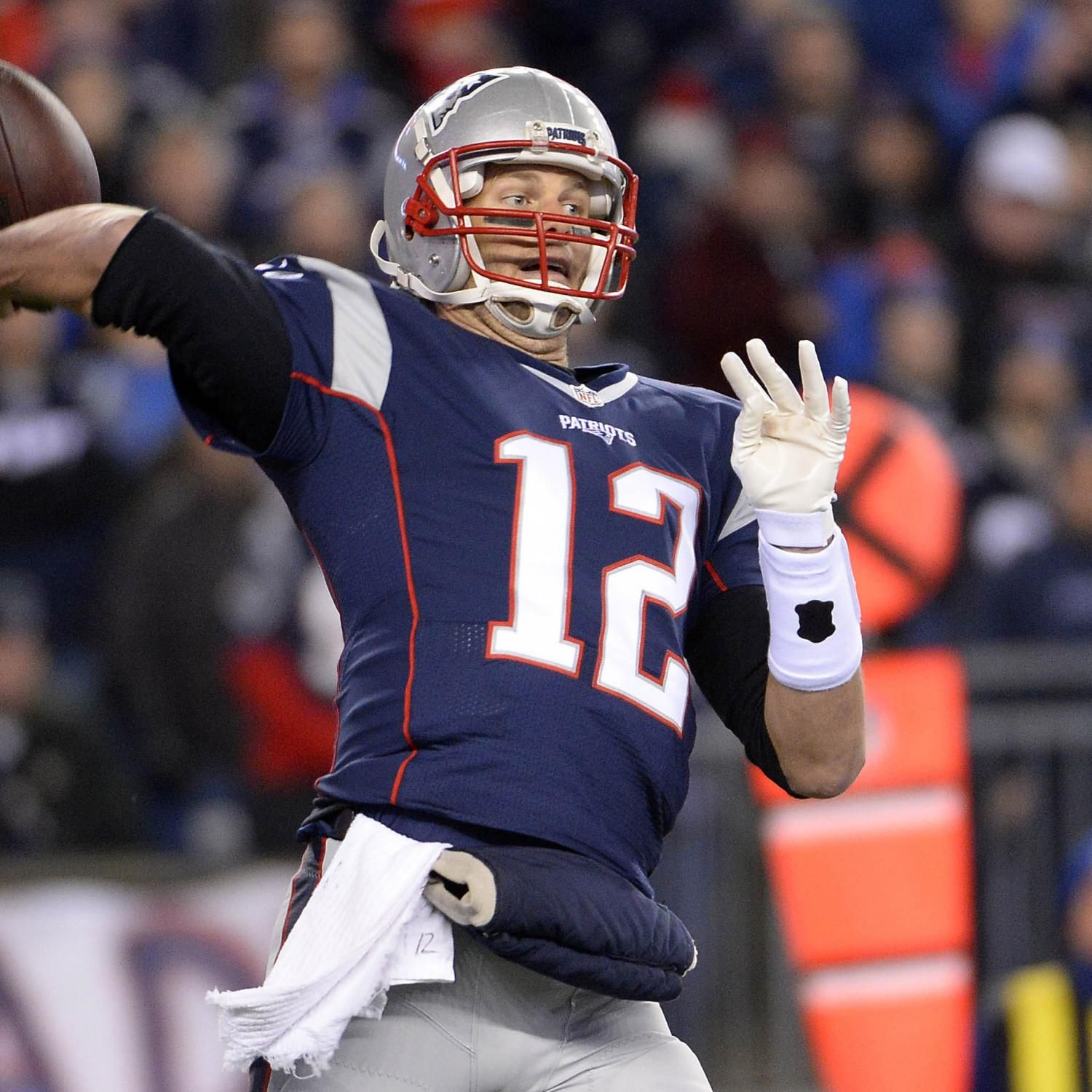 Chiefs Vs Patriots Score And Twitter Reaction From 2016 Nfl Playoffs Nfl Playoffs Manning Nfl Patriots