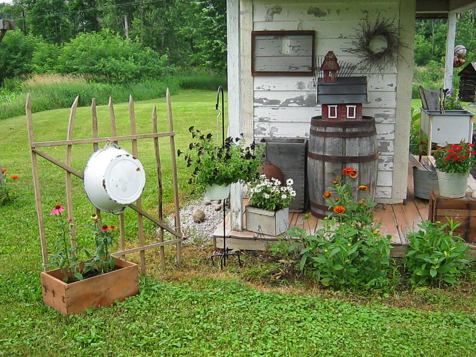Primitive passion decorating garden shed expansion for Rustic outdoor decorating