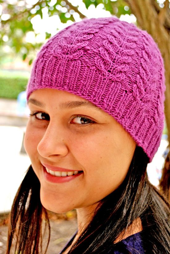 Gorro Lilac, by Leticia Cinto | Tricoteiras Intrépidas    http://www.ravelry.com/patterns/library/gris-hat