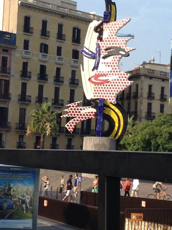Waterfront sculpture in Barcelona @TasteLiveGo