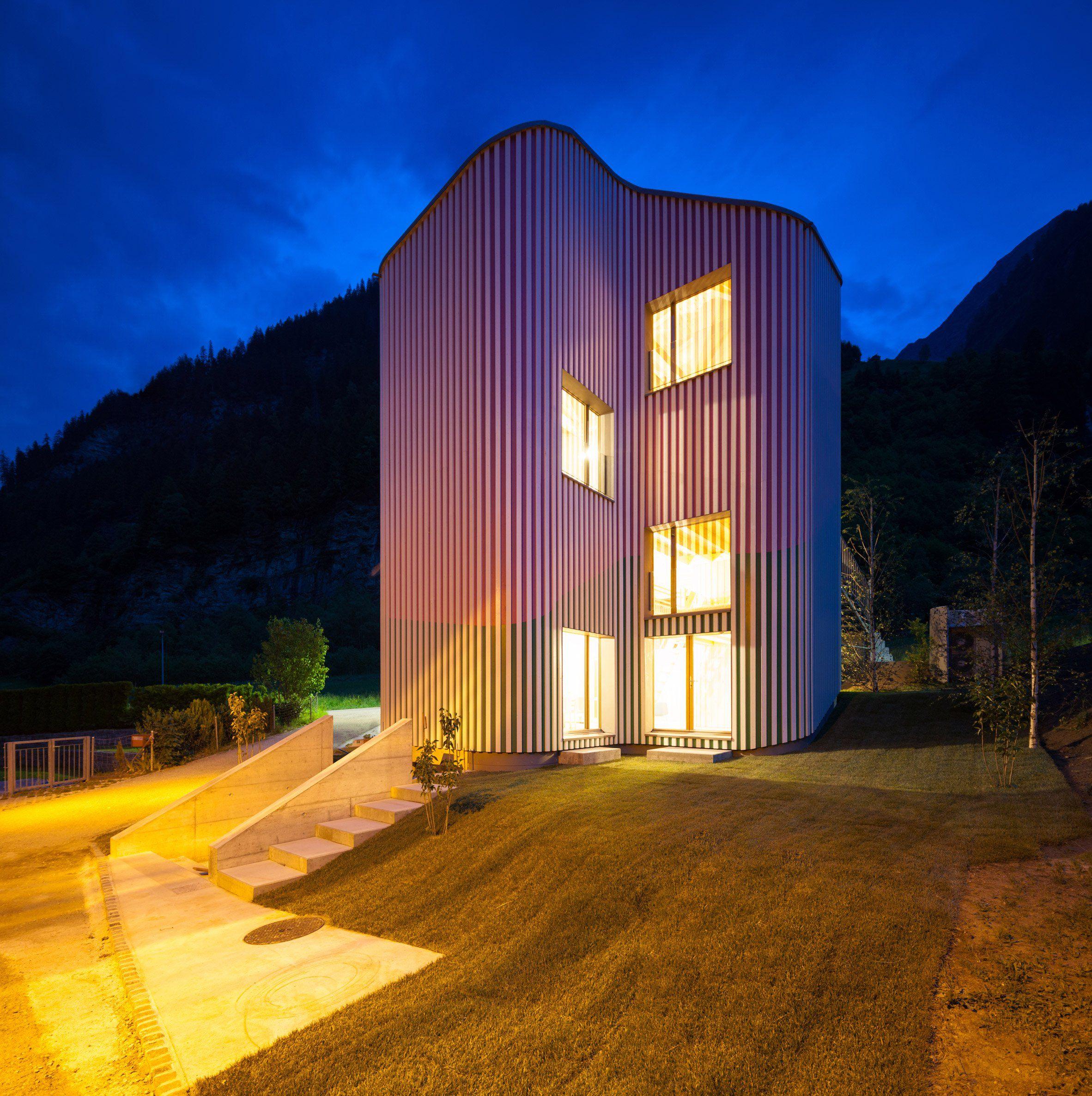 Davide Macullo Architects Swisshouse Rossa Facade Pinterest  # Muebles Gacitua Santiago
