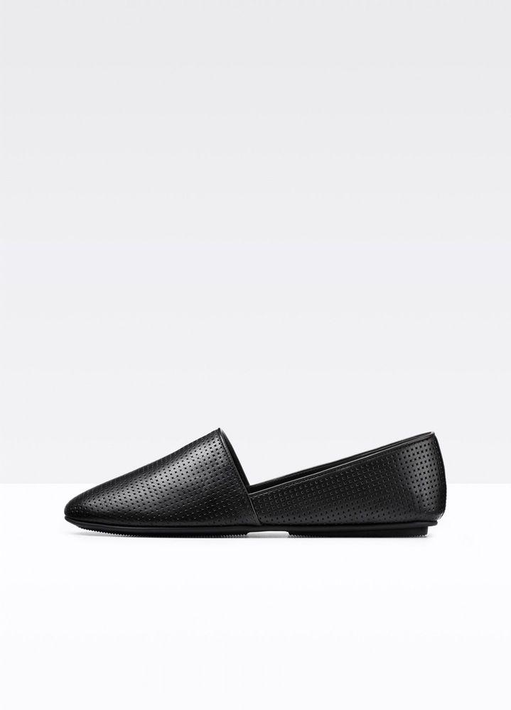 Effortless Style. Iconic Essentials. Modern Luxury.