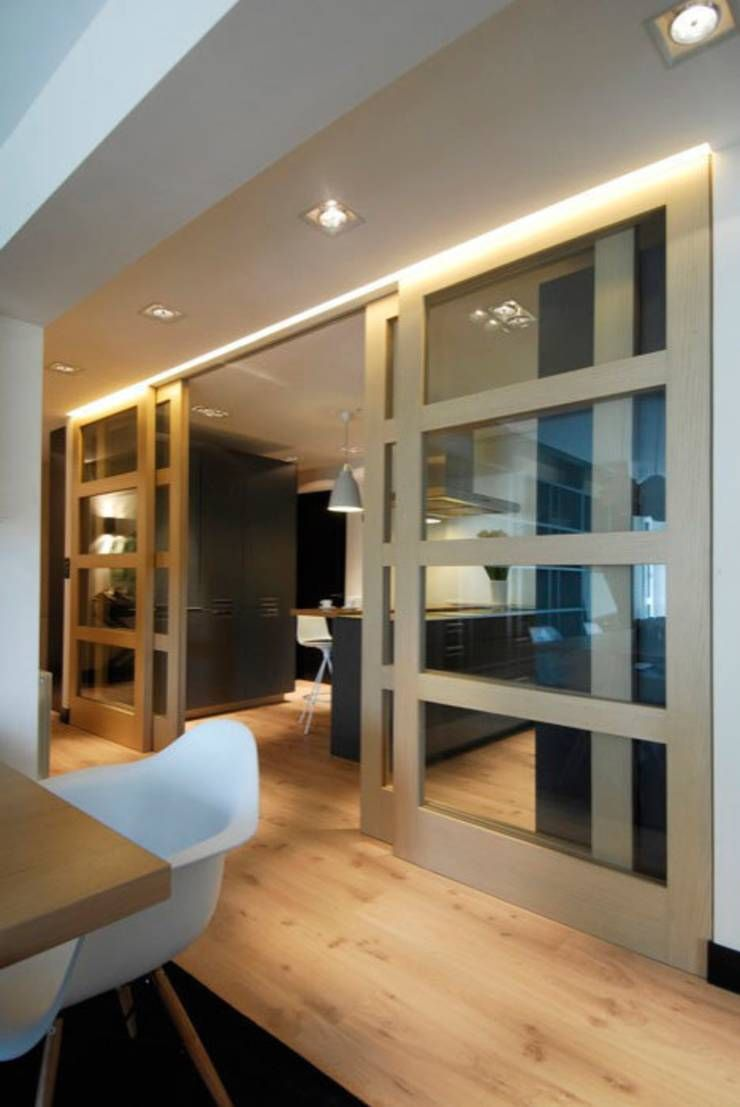 Decoraci n de casa moderna y actual para familia con ni os for Decoracion de puertas de salones