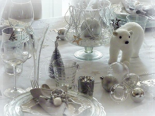 D co de table christmas pinterest deco de table table de no l blanche et table - Decoration de table de noel blanche ...