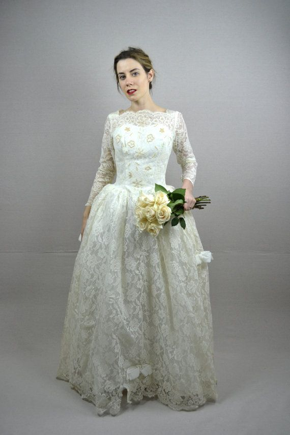 50s Wedding Dress Vintage 1950s By BreanneFaouzi Gorgeous I Love The Little Poof Below Waist So Flattering