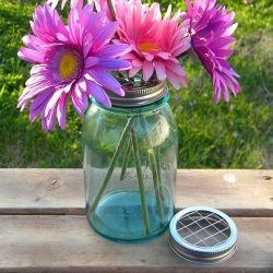How to Arrange Flowers (in a Mason Jar) Like a Pro