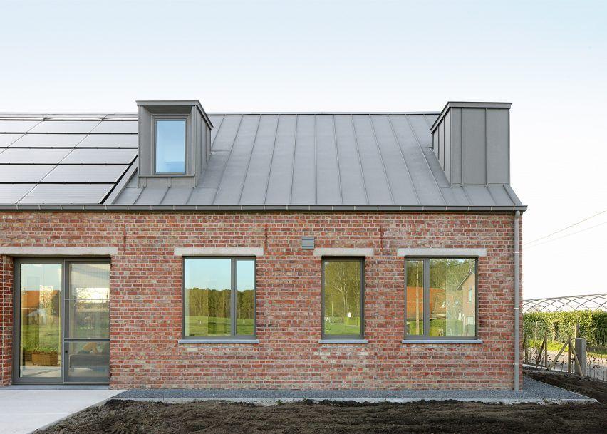 Atelier Tom Vanhee Renovates A Farmhouse In Belgium House Roof Modern Farmhouse