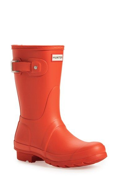 Free shipping and returns on Hunter 'Original Short' Rain Boot (Women) at Nordstrom.com. Comfort and quality combine in a watertight boot, finished with a ground-gripping sole. A subtle tonal design circles the top, while an adjustable buckle at the side adds interest.