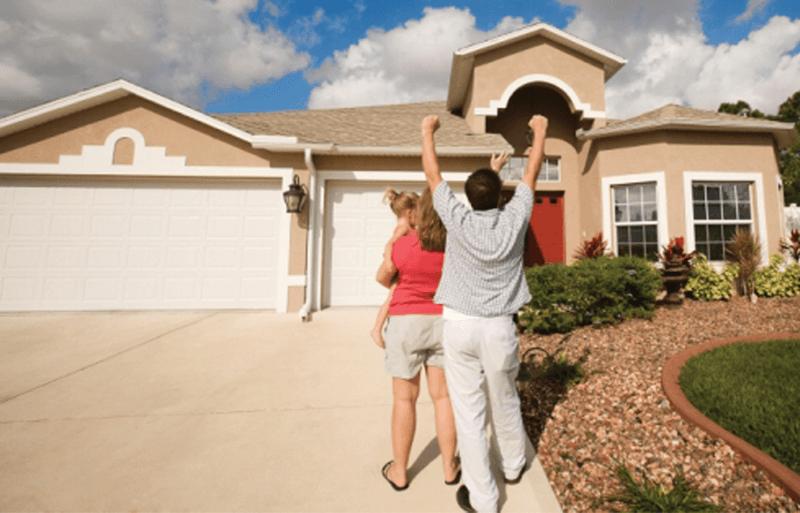 Top Five Most Used Garage Door Openers Homeowners Reviews A Click Away Blog Garage Door Opener Garage Doors Best Garage Door Opener
