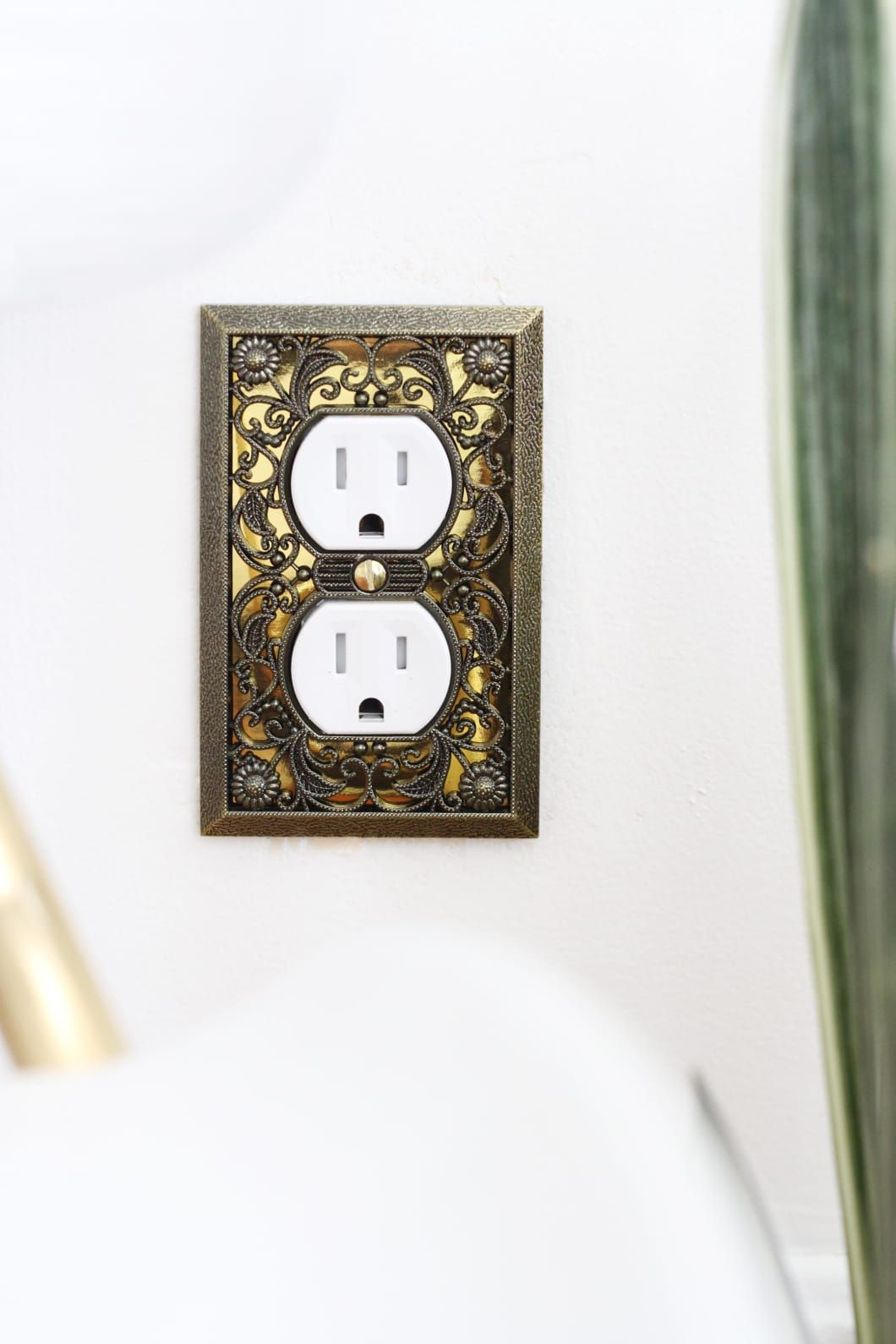 How To Swap A Two Prong For A Three Prong Outlet Electrical