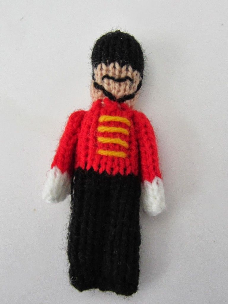 Toy Soldier Christmas Ornament - Free knitting Pattern | szydełko ...